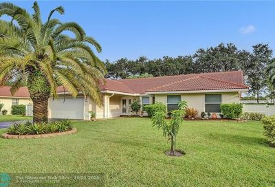 8383 NW 55th Ct Coral Springs FL 33067