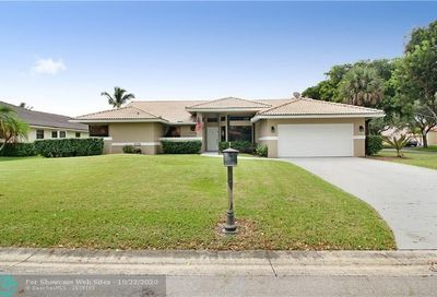 8446 NW 55th Ct Coral Springs FL 33067