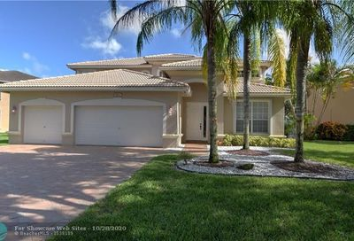 5923 NW 54th Cir Coral Springs FL 33067