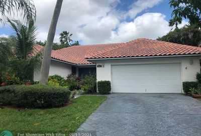 9825 NW 48th Dr Coral Springs FL 33076