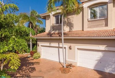 4632 Seagrape Dr Lauderdale By The Sea FL 33308