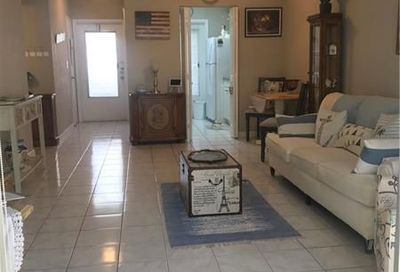 2111 NE 42nd Ct Lighthouse Point FL 33064