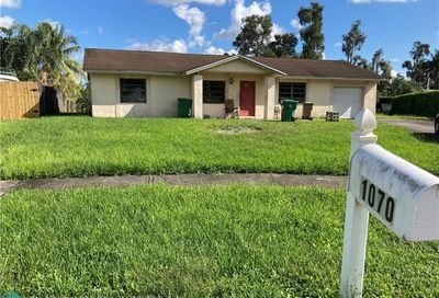 1070 SW 124th Way Davie FL 33325
