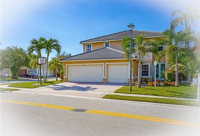 4702 NW 120th Way Coral Springs FL 33076