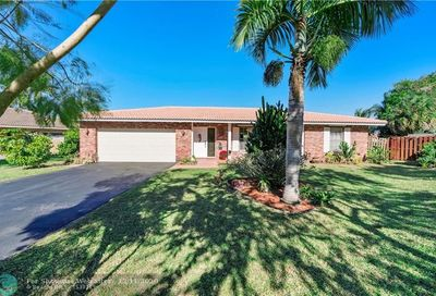 1189 NW 86th Ln Coral Springs FL 33071