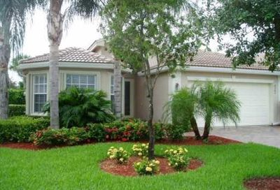 8282 Sandpiper Glen Dr Lake Worth FL 33467