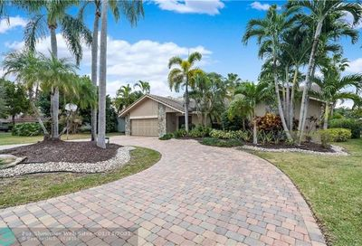 153 NW 104th Ave Coral Springs FL 33071