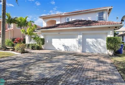5660 NW 108th Ter Coral Springs FL 33076