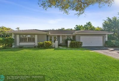 2461 NW 105th Ter Coral Springs FL 33065