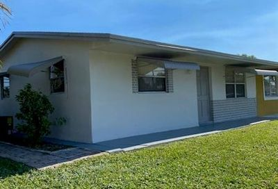 1900 SW 69th Ter North Lauderdale FL 33068