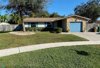 12811 SW 10th Mnr Davie FL 33325