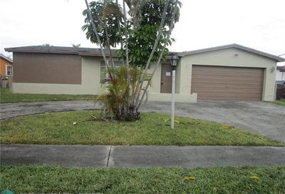3165 NW 40th St Lauderdale Lakes FL 33309