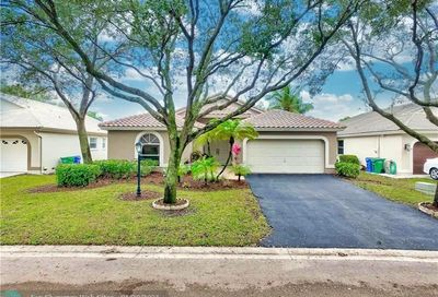 5713 NW 48th Ct Coral Springs FL 33067