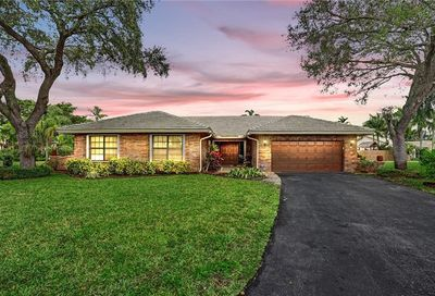 370 NW 105th Ter Coral Springs FL 33071