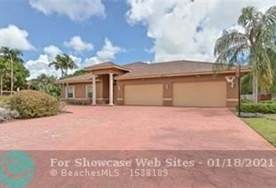 4770 NW 74th Pl Pompano Beach FL 33073