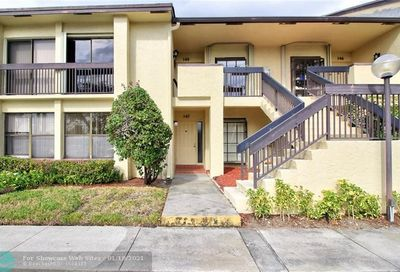 2011 SW 15th St Deerfield Beach FL 33442