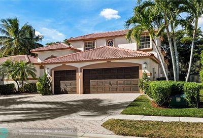 2507 Montclaire Cir Weston FL 33327