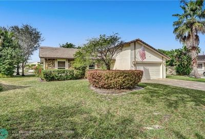 162 NW 98th Ln Coral Springs FL 33071