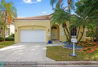 2098 Cove Ln Weston FL 33326