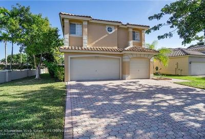 4763 NW 121st Ave Coral Springs FL 33076