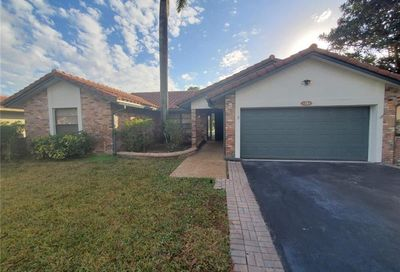 517 NW 105th Dr Coral Springs FL 33071