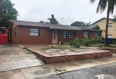 1721 NW 1st Way Pompano Beach FL 33060