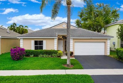 5265 NW 54th St Coconut Creek FL 33073