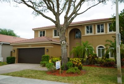 1700 SW 106th Ter Davie FL 33324