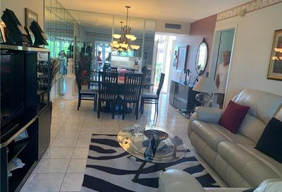 2861 NW 47th Ter Lauderdale Lakes FL 33313