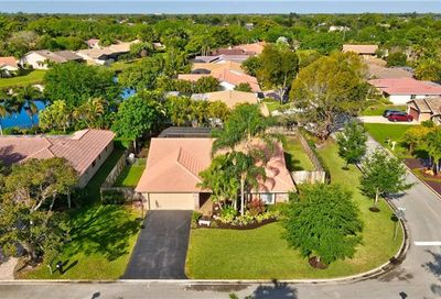 598 NW 105th Dr Coral Springs FL 33071
