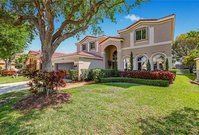 1614 E Harmony Lake Cir Davie FL 33324