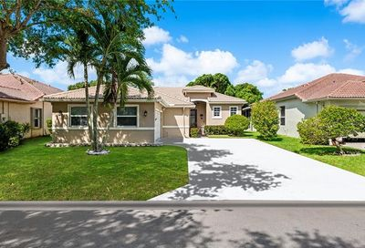 4853 NW 54th Ave Coconut Creek FL 33073