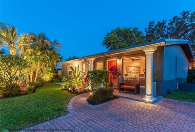 316 NW 28th Court Wilton Manors FL 33311