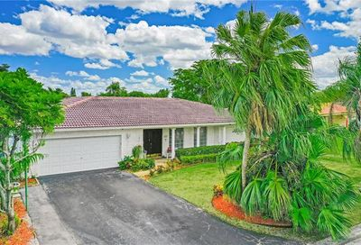 8635 NW 28th Dr Coral Springs FL 33065