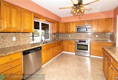 1157 NW 30th St Wilton Manors FL 33311