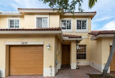 3227 NW 32nd Ter Oakland Park FL 33309