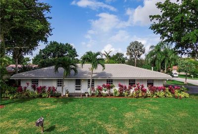 8433 NW 27th Dr Coral Springs FL 33065