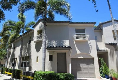 1900 Oceanwalk Ln Lauderdale By The Sea FL 33062