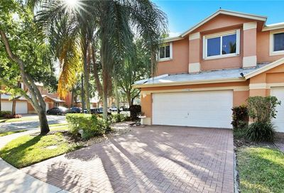 12506 NW 57th Ct Coral Springs FL 33076