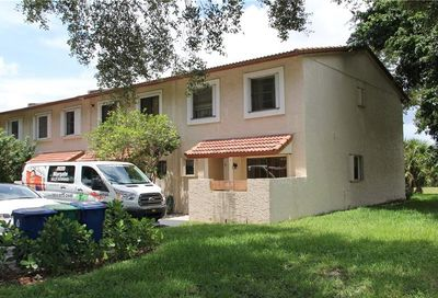 8905 NW 38th Drive Coral Springs FL 33065