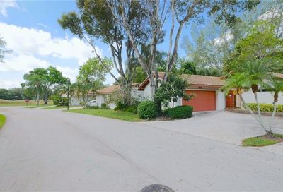 3405 Willow Wood Lauderhill FL 33319