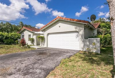 2314 NW 98th Ter Coral Springs FL 33065