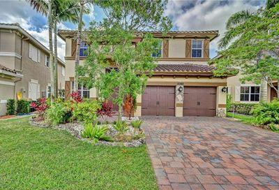 10360 Waterside Court Parkland FL 33076