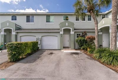 4740 Grapevine Way Davie FL 33331