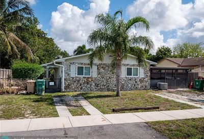 6151 SW 44th St Davie FL 33314