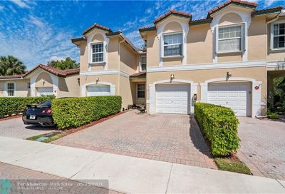 11719 NW 47th Dr Coral Springs FL 33076