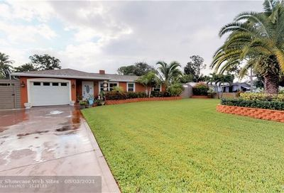 1378 Willow Rd Palm Springs FL 33406