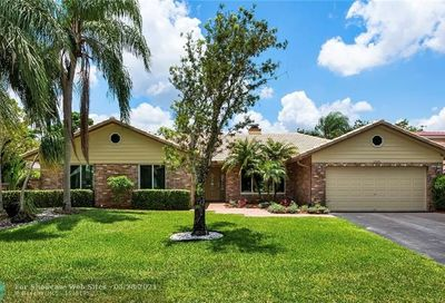 10984 NW 3rd St Coral Springs FL 33071