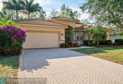 4199 NW 67th Ter Coral Springs FL 33067