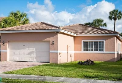4535 NW 36th Ct Lauderdale Lakes FL 33319